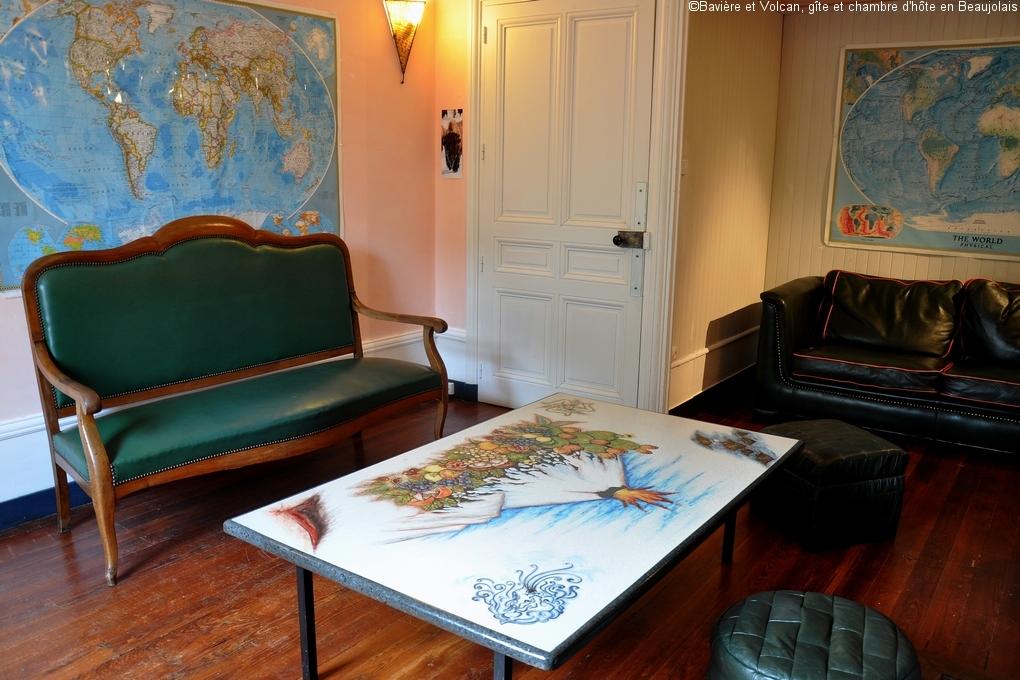 Bavière-et-volcan-en-Beaujolais-gîte-de-caractère-chambre-hôtes-charme-Maison-de-vacances 28