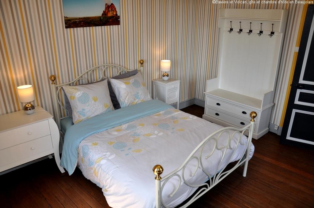 Bavière-et-volcan-en-Beaujolais-gîte-de-caractère-chambre-hôtes-charme-Maison-de-vacances 32