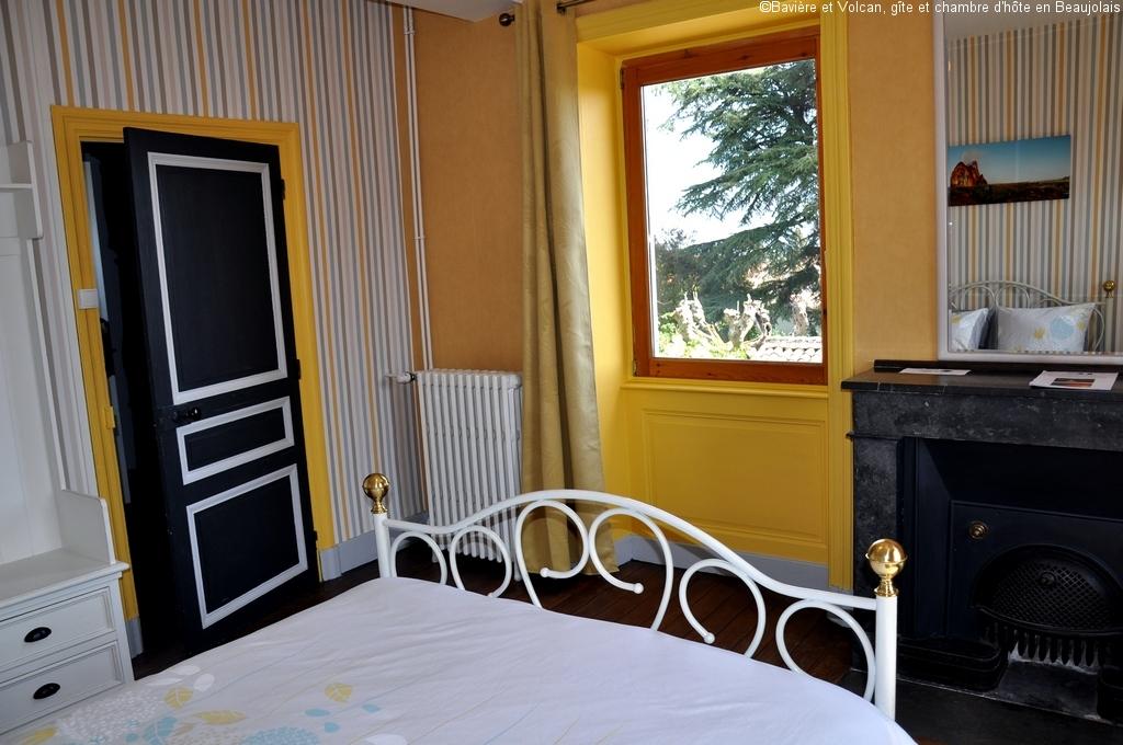 Bavière-et-volcan-en-Beaujolais-gîte-de-caractère-chambre-hôtes-charme-Maison-de-vacances 33