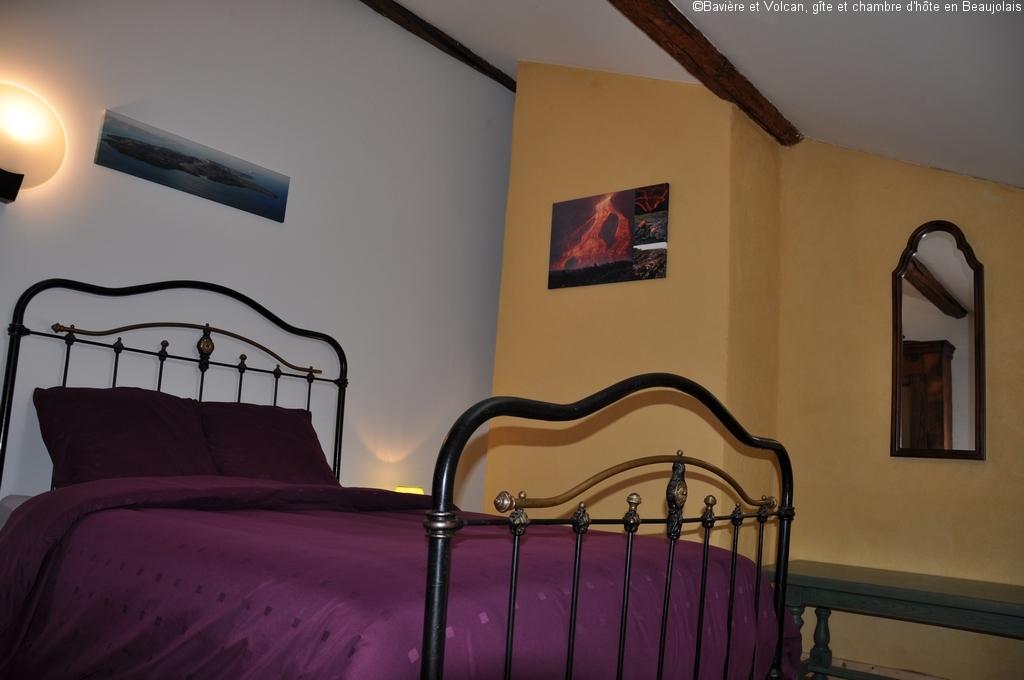 Bavière-et-volcan-en-Beaujolais-gîte-de-caractère-chambre-hôtes-charme-Maison-de-vacances 48