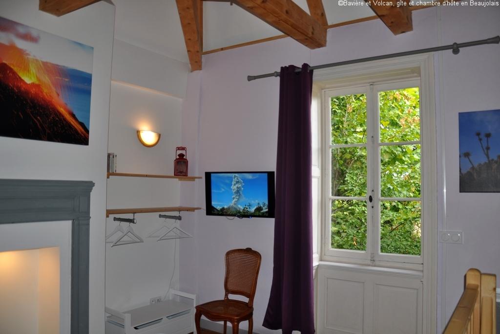 Baviere-et-Volcan-Gite-Chambre-Hote-Charme-4-etoiles-La-tour-Beaujolaise (017)