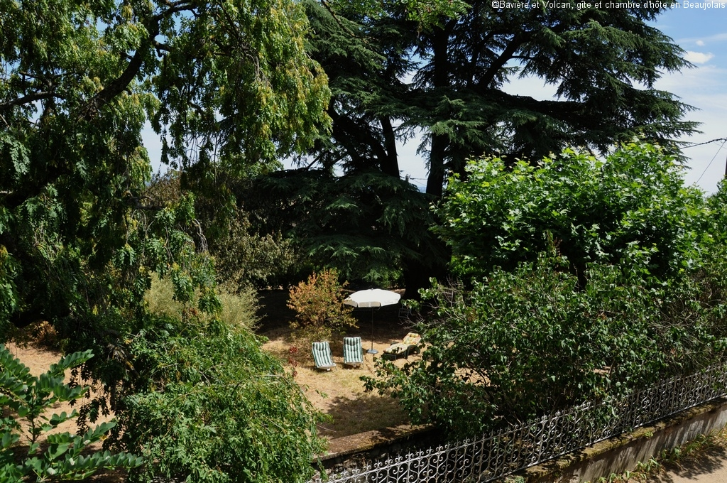 Baviere-et-Volcan-Gite-Chambre-Hote-Charme-4-etoiles-La-tour-Beaujolaise (024)