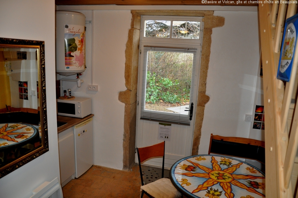 Baviere-volcan-Beaujolais-character-holiday-cottage-Tower-Bed-and-Breaksfast-charme-tour-4-stars ( (106)