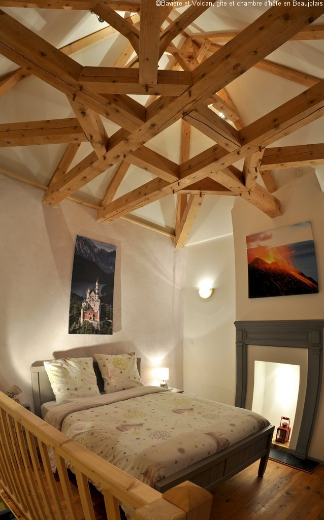 Baviere-volcan-Beaujolais-character-holiday-cottage-Tower-Bed-and-Breaksfast-charme-tour-4-stars ( (113)