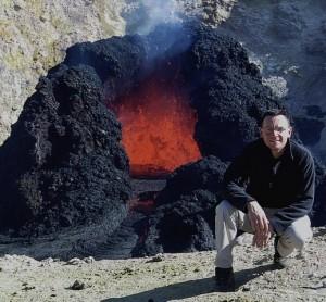 Baviere-et-volcan-gite-et-chambre-hote-Emmanuel-portrait-Pacaya-Guatemala
