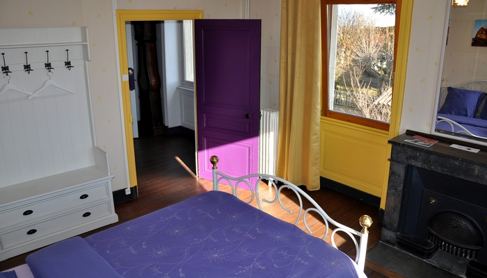 Baviere-et-volcan-en-Beaujolais-character-holiday-cottage-Tower-Bed-and-Breaksfast-charme (103)